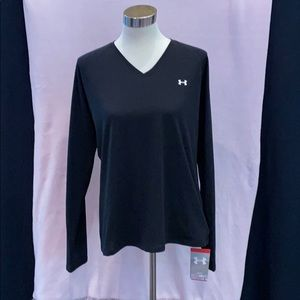 Never worn Under Armour woman's XL top